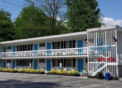 Weirs Beach Motel and Cottages - Laconia - Gebäude
