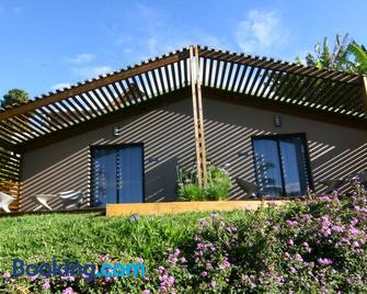 Villa Romeo - Les Avirons - Building