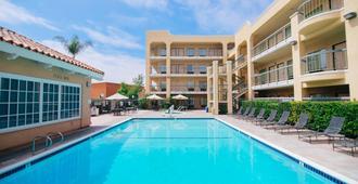Fairfield Inn by Marriott Anaheim Hills Orange County - אנהיים - בריכה