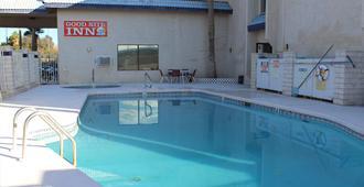 Goodnite Inn And Suites - Bullhead City - Pool