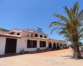 Tanit Hotel Ristorante Museo - Carbonia - Gebouw