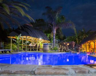 Cest Si Bon Hotel - Otjiwarongo - Pool