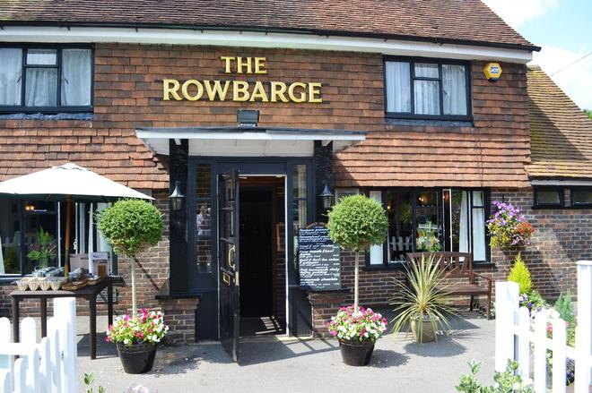 The Rowbarge Hotel and Restaurant - Woking - Building