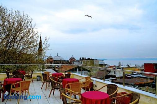 May Hotel - Istanbul - Balcony