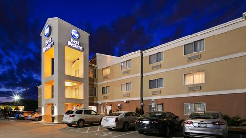 Best Western Empire Towers - Sioux Falls - Gebäude
