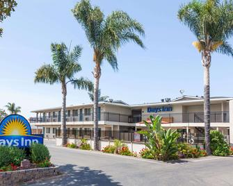 Days Inn by Wyndham Santa Maria - Santa Maria - Building