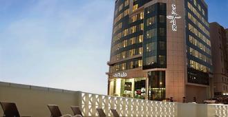 Safir Hotel Doha - Doha - Building