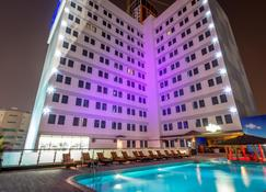 Elite Crystal Hotel - Manama - Building