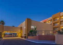 Ramada Plaza by Wyndham Garden Grove/Anaheim South - Garden Grove - Edificio