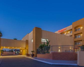 Ramada Plaza by Wyndham Garden Grove/Anaheim South - Garden Grove - Edificio