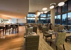 布里斯班機場普爾曼酒店 - 布里斯班 - 餐廳