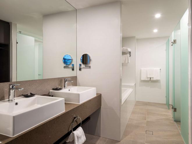 布里斯班機場普爾曼酒店 - 布里斯班 - 浴室