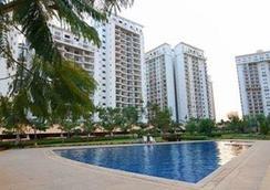 克雷斯特行政套房酒店 - 邦加羅爾 - 班加羅爾 - 游泳池