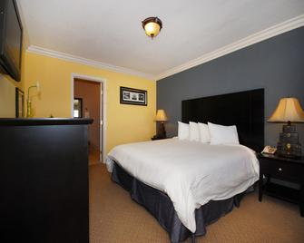 Solaire Inn & Suites - Santa Maria - Bedroom