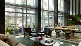 Kimpton EPIC Hotel - Miami - Lobby