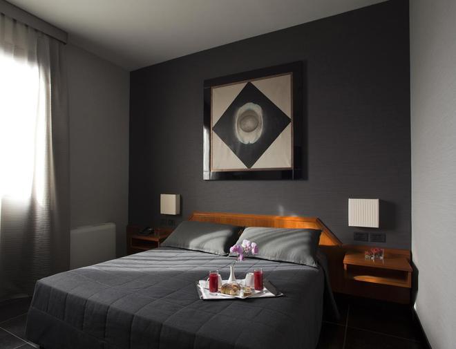 Hotel Zone - Rooma - Makuuhuone