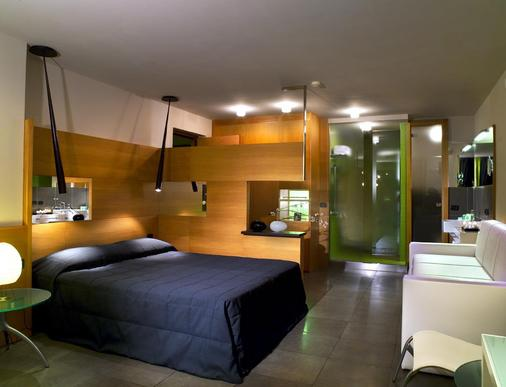 Hotel Zone - Rome - Bedroom