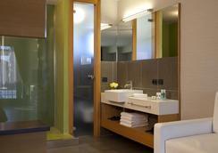 Hotel Zone - Rooma - Kylpyhuone