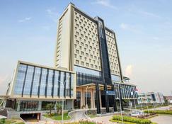 Wyndham Opi Hotel Palembang - Palembang - Edificio