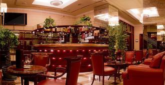 Best Western Premier Hotel Astoria - זאגרב - בר