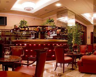 Best Western Premier Hotel Astoria - Zagreb - Bar
