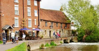 The Old Mill Hotel - Salisbury - Building