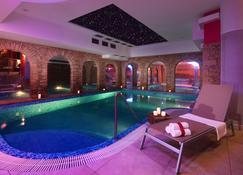 Wellness Hotel Windsor - Špindlerův Mlýn - Piscina