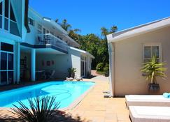 Southern Cross Guest House - Somerset West - Pool