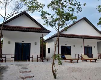 Home Stay Resort - Koh Rong Sanloem - Building