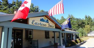 Eastern Inn & Suites - North Conway - Gebäude