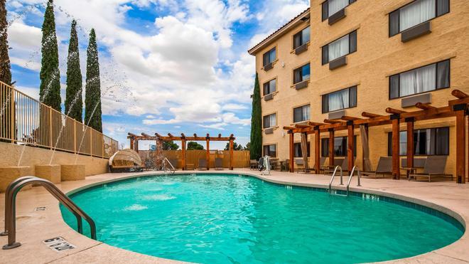Best Western Plus at Lake Powell - Page - Bể bơi