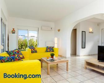 Villa Alexi - Kalathos - Huiskamer