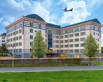 Park Inn by Radisson Brussels Airport - Diegem - Building