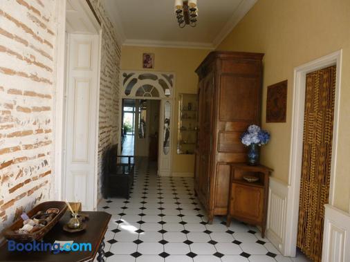 Clos Muneau - Aiguillon - Hallway