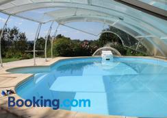 Clos Muneau - Aiguillon - Pool