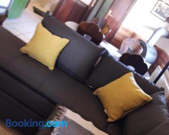 Ferienwohnung Villa del Viola Leonardo Apartment - Heinsberg - Living room