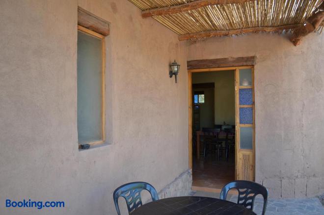Hostal y Cabañas Renta House San Pedro - San Pedro de Atacama - Building