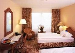 法蘭克福/緬因河瑞拉科薩酒店 - 法蘭克福 - 法蘭克福 - 臥室