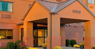 Fairfield Inn & Suites Lexington Keeneland Airport - Lexington