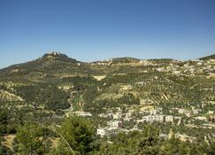 Ajloun Hotel - Ajloun - Outdoors view