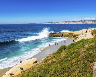 Holiday Inn Express & Suites Solana Beach-Del Mar - Solana Beach - Strand
