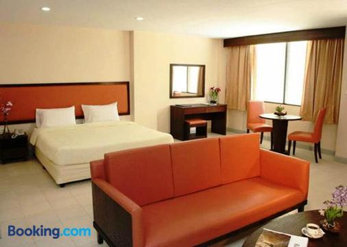 Nice Beach Hotel - Rayong - Bedroom