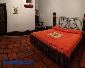 La Casona De La Esmeralda - Mascota - Bedroom