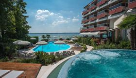 Hotel Continental Wellness & Thermal Spa - Sirmione - Pool