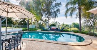 Commercial Golf Resort - Albury - Bể bơi
