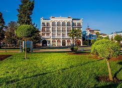 阿德麥拉酒店 - 巴統 - 巴統 - 建築