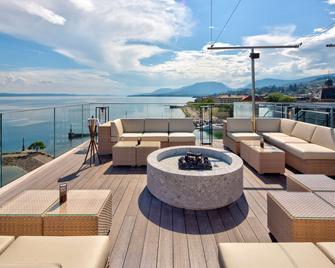 Best Western PREMIER Hotel Beaulac - Neuchatel - Balkón