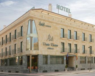 Hotel Puente Romano de Salamanca - Salamanca - Building