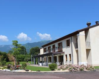 Hotel Canova - Cavaso del Tomba - Building
