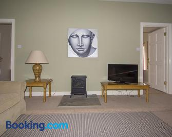 Townley Hall Apartments - Slane - Living room